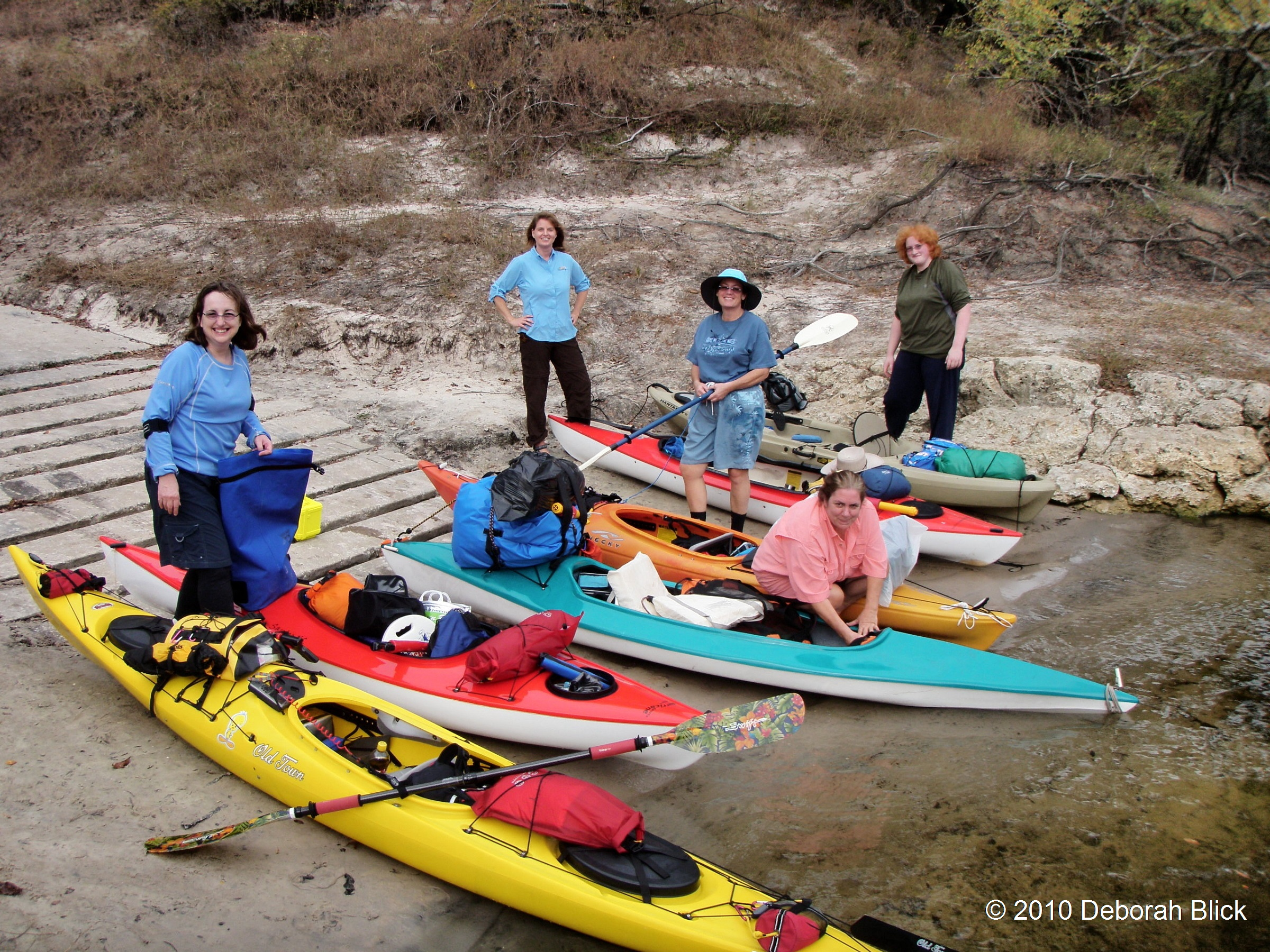 what to wear kayaking in early spring