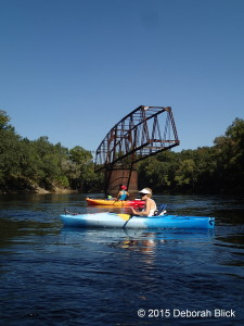 Suwannee River, Drew Bridge, kayaking