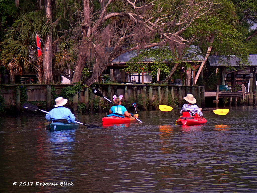 Paddling past the houses at Fowlers Bluff